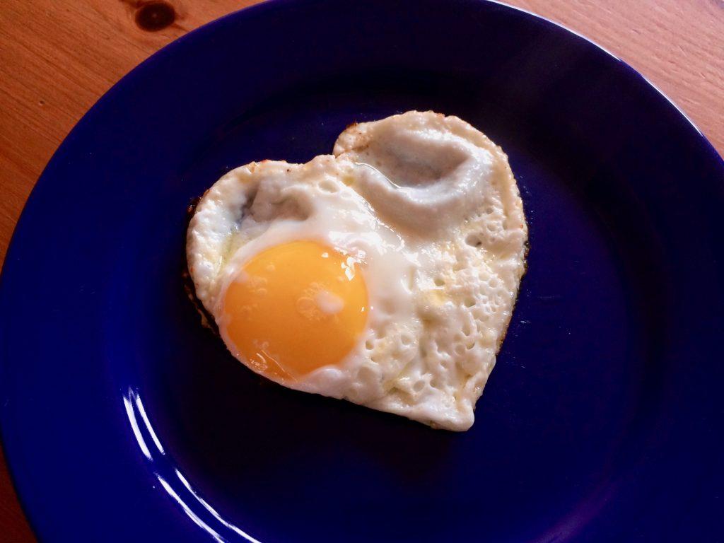 Valentinstag HerzformSpiegeleier Eier