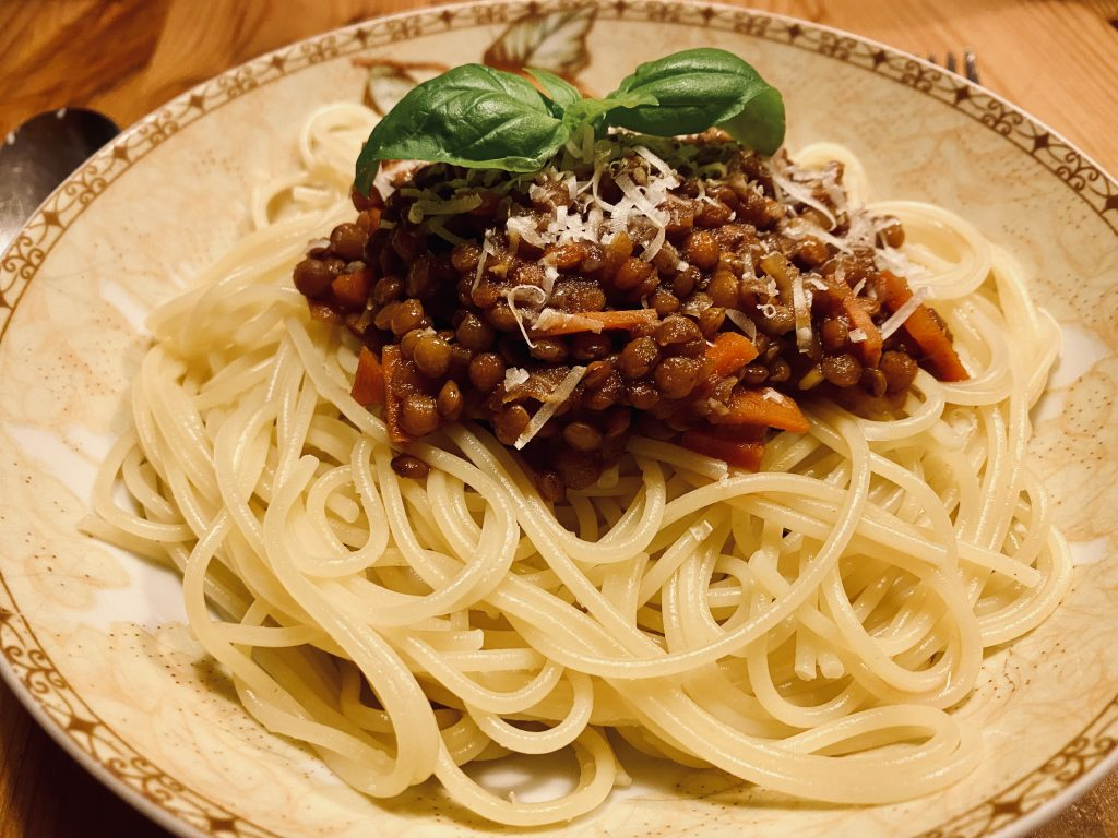 Spaghetti mit Linsen Bolognese